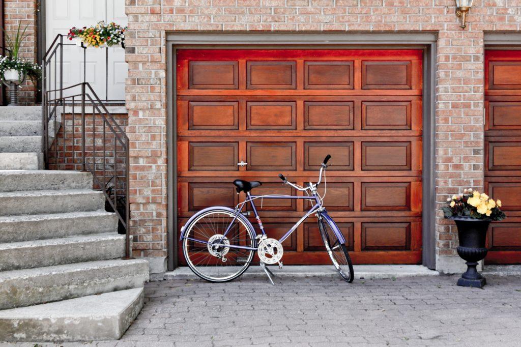 ventajas y características de puertas de garaje eficientes